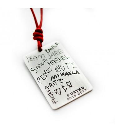 Punto de libro personalizado de plata con nombres grabados