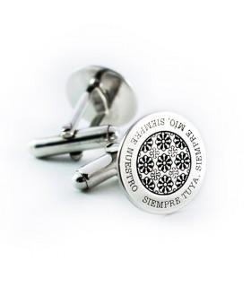 Gemelos personalizados de plata con grabado