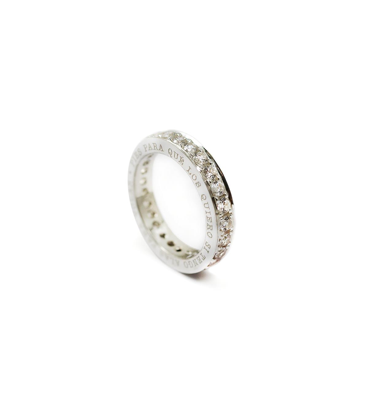 12b995c911c1 Anillo de plata personalizado Byside con circonitas. Joyas para ...