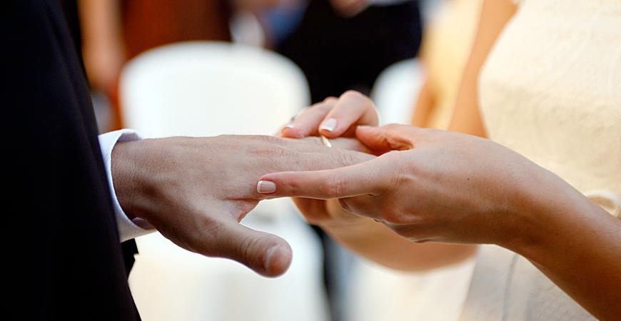 Frases para grabar en tu joya personalizada parte III: alianzas